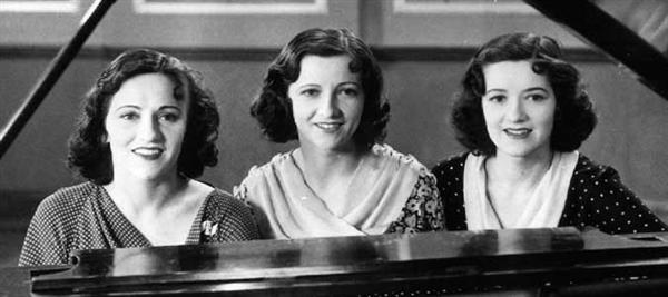 The Boswell Sisters at piano